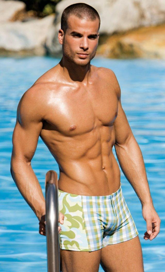 james-guardino-male-model-10182010-42