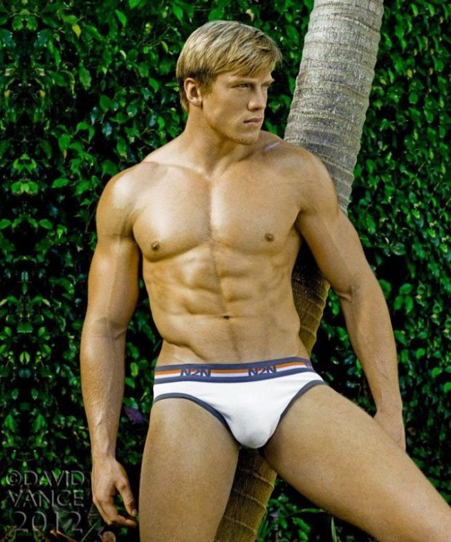 Adam-Fletcher-Model-Fitness-Burbujas-De-Deseo-010