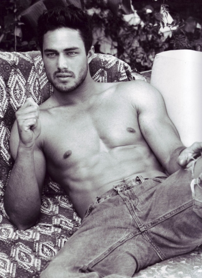 hot-boyfriend-taylor-kinney-dating-lady-gaga-02