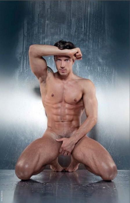 Naked-Dylan-Rosser-Sensitif-Burbujas-De-Deseo-09-448x700