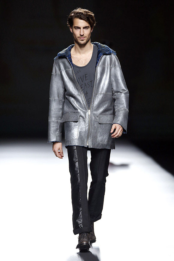 Antonio-Navas-for-Jesus-Lorenzo-FW2013-2014