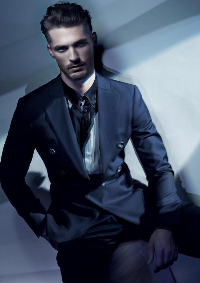 Giorgio-Armani-Spring-2011-Campaign-Ben-Hill-male-models-20258050-800-1130