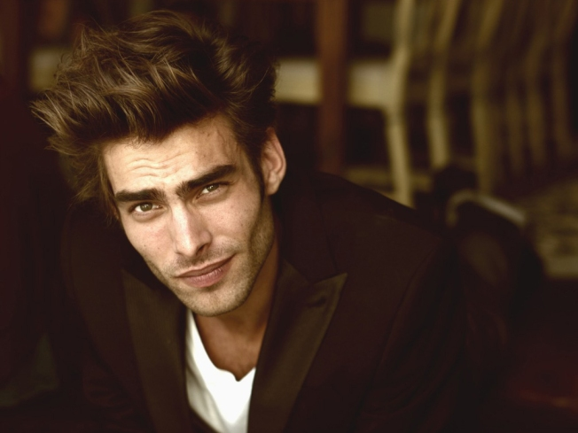 Jon-Kortajarena-male-models-18859651-1024-768